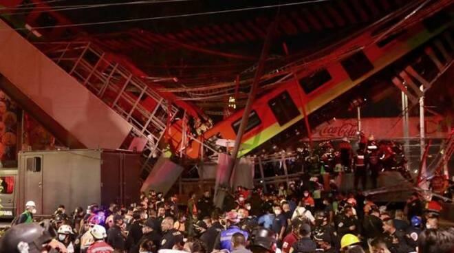 Città del Messico: crollato il ponte della metropolitana, decine e decine di morti e feriti