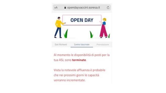 """Coronavirus, open day per i giovani dai 18 anni. L'Asl: """"Prenotati tutti i vaccini in soli trenta minuti"""""""