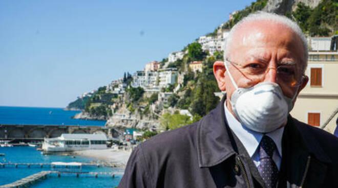 De Luca accelera con il piano vaccini: obiettivo, Napoli Covid free entro luglio