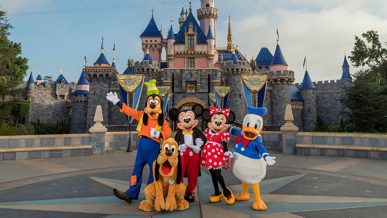 Disneyland il bacio del Principe non è consensuale scattano polemiche