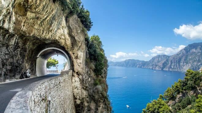 Ecco l'itinerario per percorrere la Costiera Amalfitana in moto