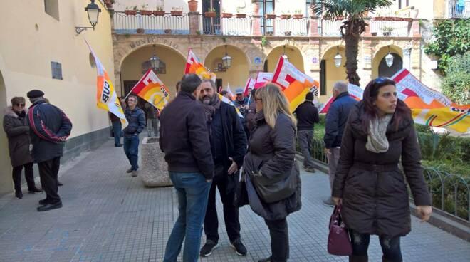 """FLAICA CUB CAMPANIA: """"Lavoratori stagionali ancora una volta offesi e criminalizzati dal Governatore De Luca"""""""