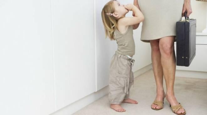 Festa della Mamma, con i figli le donne perdono lavoro e stipendio