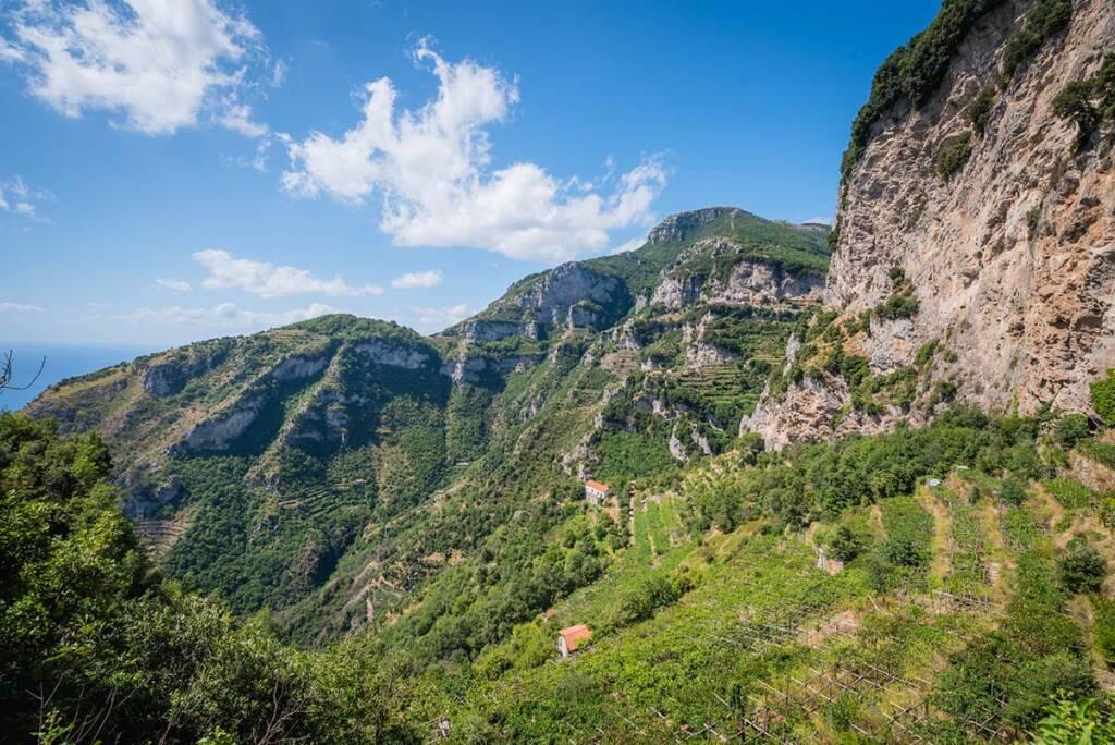 I terrazzamenti della Costa d'Amalfi, paesaggio culturale UNESCO: vecchi problemi e nuove soluzioni. Intervista a Marina Fumo, direttrice Cittam