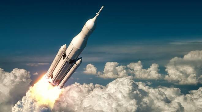 Il 9 maggio rientro del lanciatore spaziale cinese. Potenzialmente interessate nove regioni del centro-sud