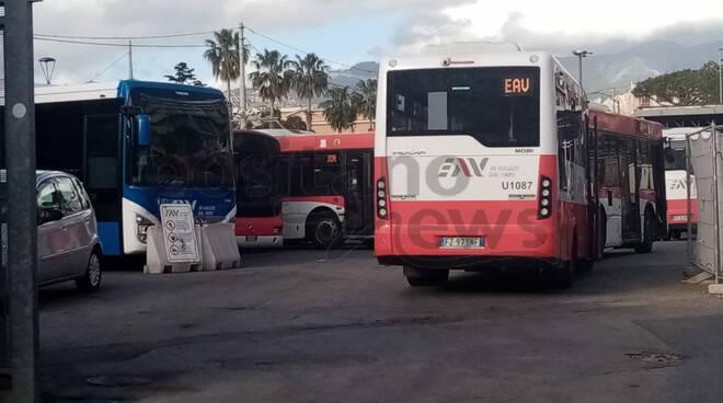 In Penisola Sorrentina autobus datati e continuamente guasti: quando arriveranno i nuovi mezzi della Regione?