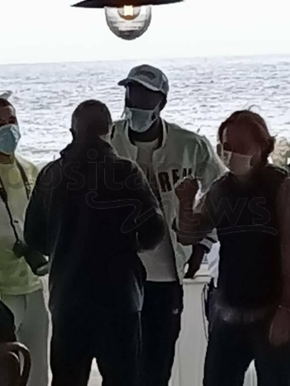 L'attaccante del Napoli Osimhen si regala una breve vacanza a Positano