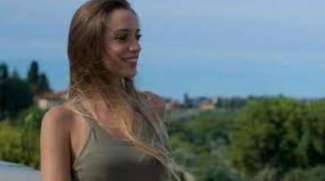 Luana D'Orazio: 22enne morta sul lavoro a Prato, lascia un figlio di 5 anni. È rimasta impigliata nel rullo di un macchinario