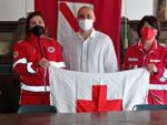 Oggi è la Giornata Internazionale della Croce Rossa, per il secondo anno in prima linea contro il Covid: bandiera esposta nei palazzi comunali della Costiera