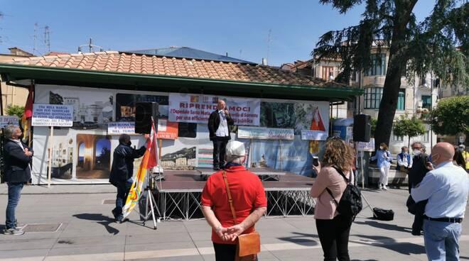 Ospedale di Sorrento, questa mattina la protesta per garantire il diritto alla salute