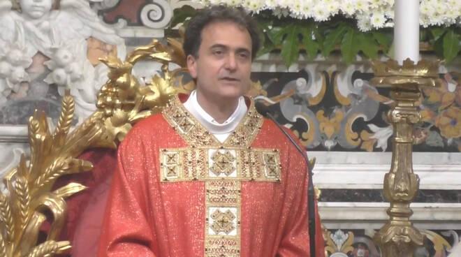 """Piano di Sorrento, Don Pasquale Irolla: """"La grazia della Pentecoste ci rende nuovi e ci colma dell'amore di Dio»"""