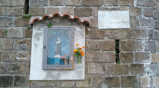 Piano di Sorrento, il Prof. Ciro Ferrigno ci guida alla scoperta dell'edicola di S. Antonio in Via Caposcannato