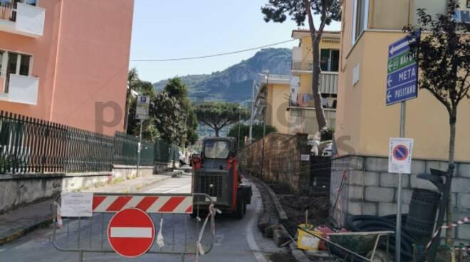 Piano di Sorrento: lavori in corso a Via dei Pini, strada chiusa fino al 15 maggio