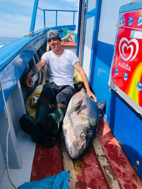 Presa la ricciola più grande mai pescata nelle acque di Positano: ben 50 kg!