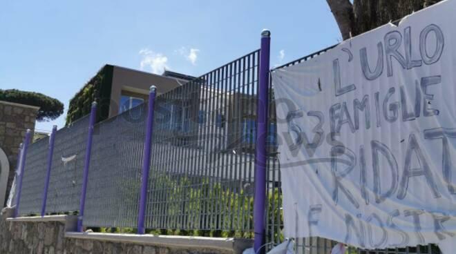 """Sant'Agnello, Housing Sociale. L'urlo di 53 famiglie: """"Ridateci le nostre case"""""""