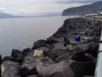 """Sorrento, questa mattina la pulizia delle scogliere al porto. Di Prisco: """"L'attenzione verso il mare e l'ambiente va tenuta alta e costante"""""""