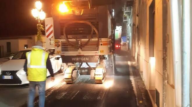 Vietri sul Mare/Minori: continuano i lavori di pavimentazione lungo la SS163, senso unico alternato in orario notturno fino al 30 giugno