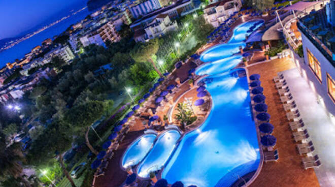 All'Hotel Hilton Sorrento Palace apericena e dj set