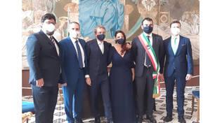 Amalfi, matrimonio di due dipendenti del comune di Sorrento. Presente il sindaco Massimo Coppola