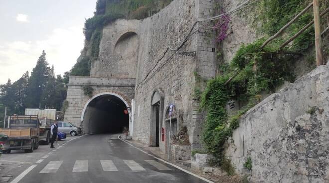 Amalfi, ripristinato regolarmente il transito a doppio senso sulla SS163