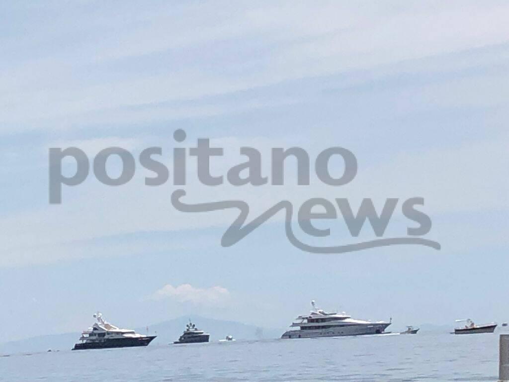 Anche oggi arrivano gli yacht a Positano!