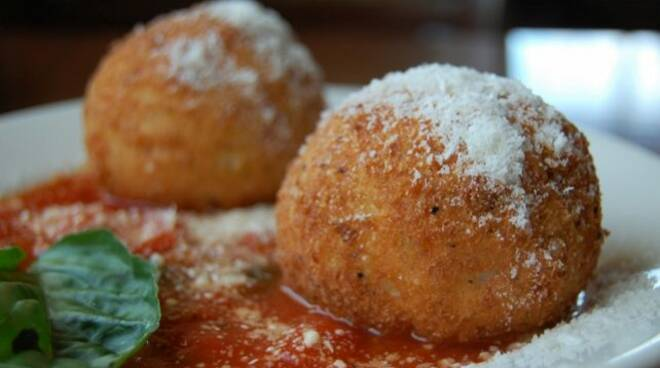 Arancini di Riso di Antonino Cannavacciuolo: Ecco la Ricetta dello Chef di Vico Equense