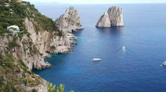 Capri è ancora il set per le riprese dello spot di Dolce&Gabbana Light Blue