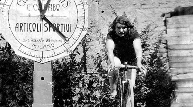 Alfonsina Strada, la prima ciclista che sfidò il maschilismo sportivo partecipando al Giro d\'Italia