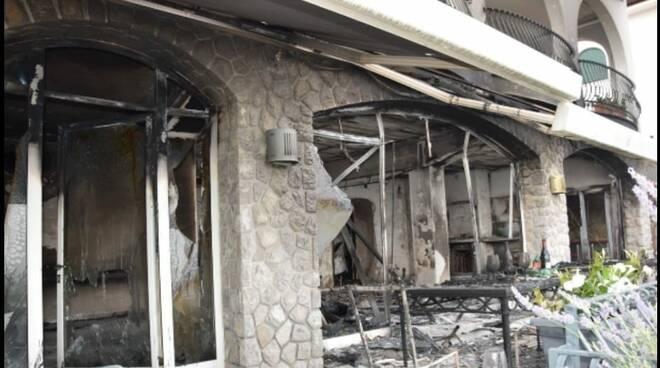 Casa vacanza bruciata a Massa Lubrense