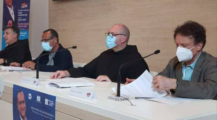 Con il Cuore: Massimo Ranieri e Renato Zero ad Assisi con i Frati per gli ultimi