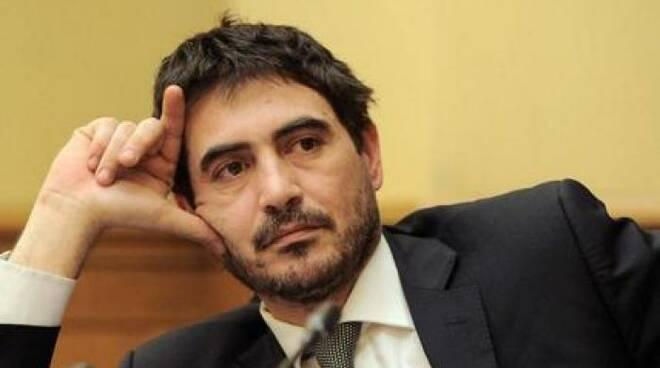 """Deputato Nicola Fratoianni: """"Stima ad Antonio Scurati per la dimissioni da presidente del Ravello Festival"""""""