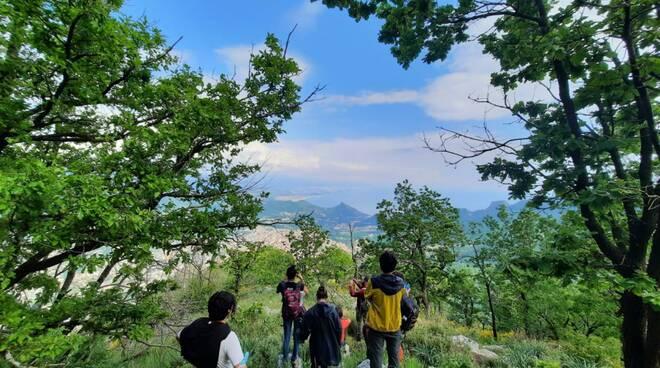 Giornata mondiale dell'Ambiente: domani operazione ripuliamo Tramonti con i ragazzi Erasmus di Acarbio