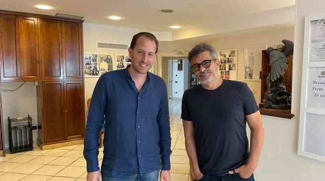 Il regista e sceneggiatore Paolo Genovese si rilassa a Positano