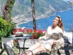 La modella Carolina Vilanova in vacanza tra Positano e Ravello