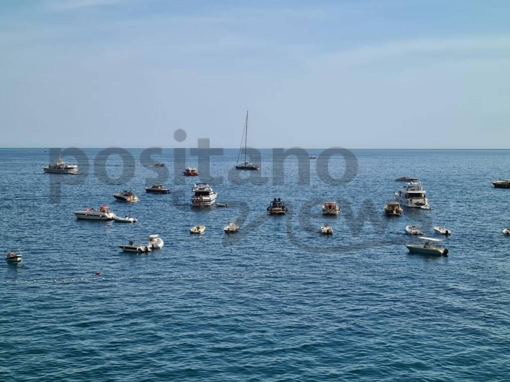 Mai tanti mega yacht a Positano dal 2019!