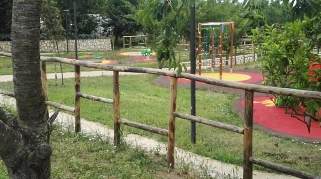 Massa Lubrense. Una nuova oasi verde per i bambini e gli adulti a pochi passi dal centro di Sant'Agata: parco Urbano di via Reola inaugurato stasera