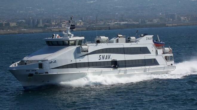 Mezzi Snav, passaggi gratuiti per i malati oncologici di Capri ed Ischia