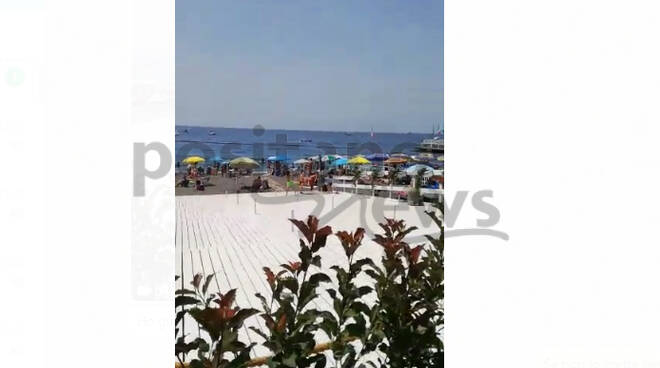 Minori, spiagge affollate preludio di un'estate di rinascita