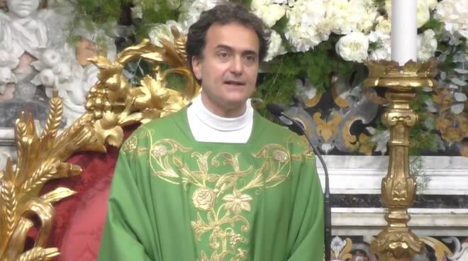 """Piano di Sorrento, l'omelia di Don Pasquale Irolla: """"La vita è imparare a fidarci di Gesù"""""""