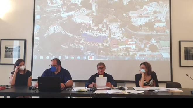 Ravello, nella seduta del consiglio comunale scontro tra il sindaco Di Martino ed il vicesindaco Di Palma