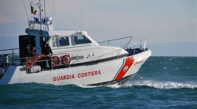 Recuperata l'imbarcazione affondata sabato scorso al largo di Santa Croce tra Amalfi e Conca dei Marini