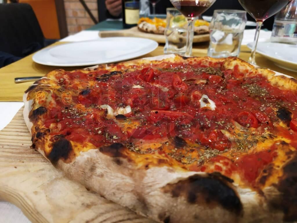 Sorrento, nel cuore del centro storico riapre il ristorante Refood