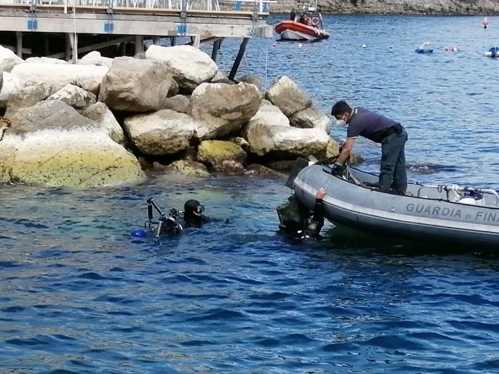 Sorrento, recuperata una tonnellata di rifiuti a Marina Grande