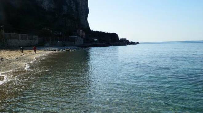 Vico Equense, le spiagge saranno chiuse nelle ore notturne. L'ordinanza che le riserva ai residenti è stata rinviata