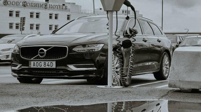 Volvo The Ultimate Safety Test: l'impegno della casa Svedese per l'ambiente espresso nella nuova gamma Recharge.