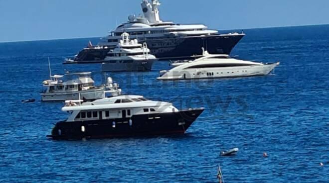 A Positano arriva Al Mirqab, lo yacht dello sceicco del Quatar