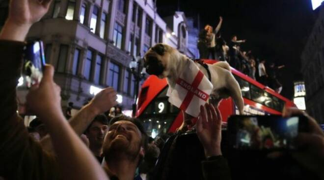 """""""Al mio segnale scatenate l'Inferno"""", così i tifosi inglesi cercano di sabotare gli avversari"""