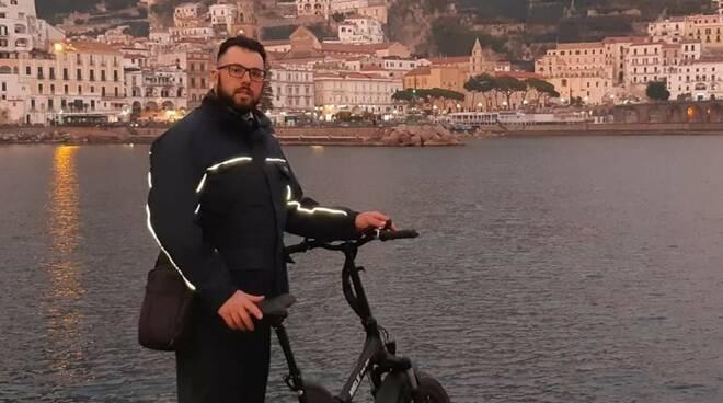Amalfi, autista della SITA trova portafoglio e rintraccia il proprietario con Facebook