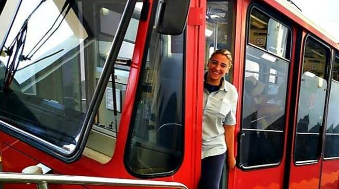 Capri, è Monica Schettino la prima donna alla guida della funicolare