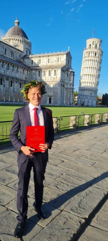 Sorrento, Auguri a Gerardo Esposito per la Laurea Magistrale in  Medicina e Chirurgia